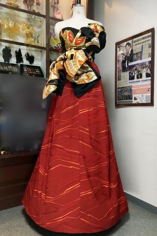 着物ドレス 黒・赤 帯・コート生地