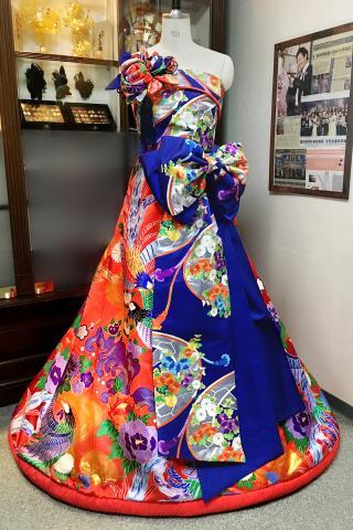 Japanese Kimono Dress Uchikake [Bird Floral]