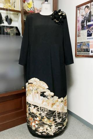 留袖ドレス 黒 ワンピースタイプ [花、扇]